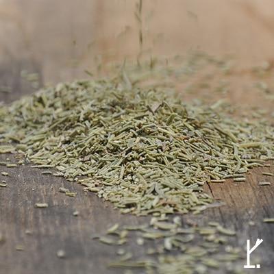Getrocknete Kraeuter wie wilder Rosmarin von roots-natural