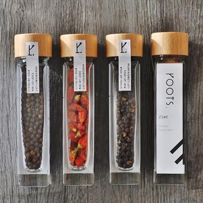 Inspiration für Wiederverkäufer zum Angebot natürlicher Gewürze und Kräuter von roots. natural