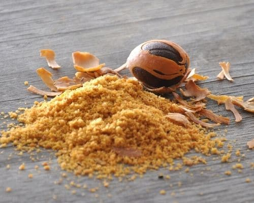 Muskatnuss gesund und frisch von roots. geniessen