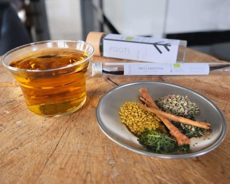 Cold Brew Gewuerze von roots. im Tee
