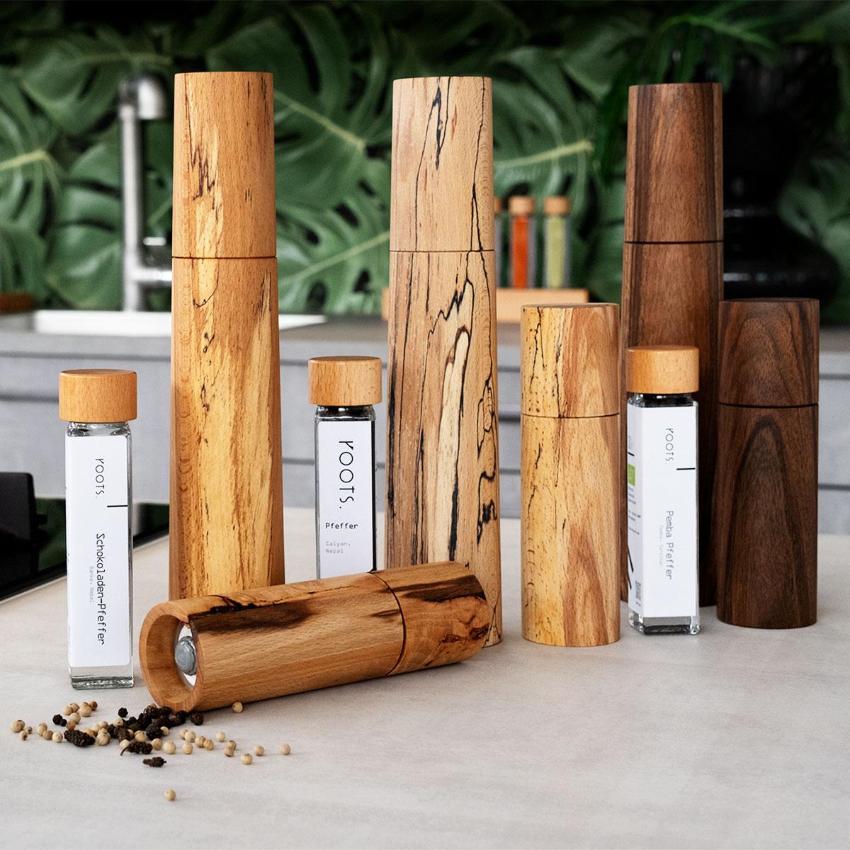 Gewuerzmuehle kaufen aus hochwertigem Holz mit Keramik-Mahlwerk Handarbeit und Unikat