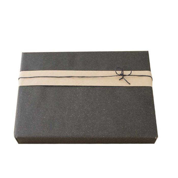 Besondere Pfeffersorten auf Wunsch von roots als Geschenk verpackt