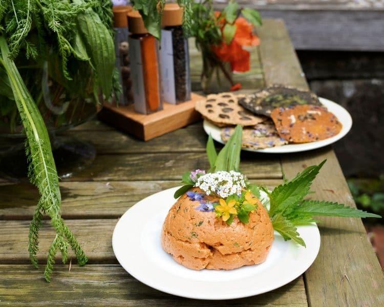 Wildkraeuter Mozzarella mit Himalaya Pfeffer