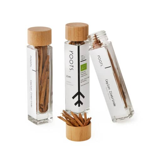 Zimtrinde kaufen bio von roots im Gewuerz-Glas natuerlich und direkt aus Pemba-Sansibar